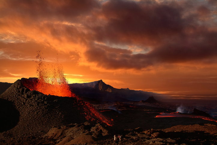 [A] Which ocean is home to 75% of the world's volcanoes?