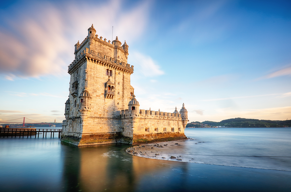 [Q] The Tower of Belém guards at the mouth of what river?