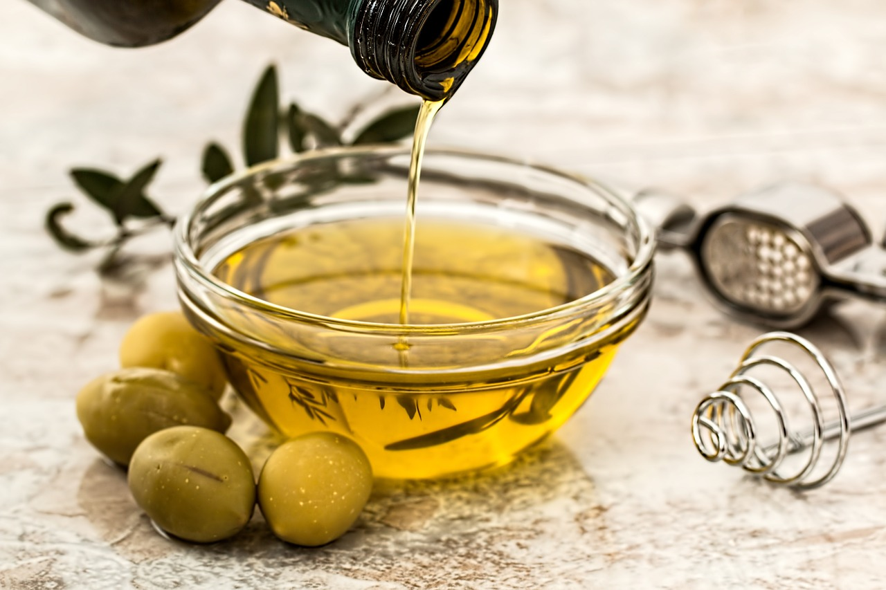[Q] Which country exports the most olive oil?