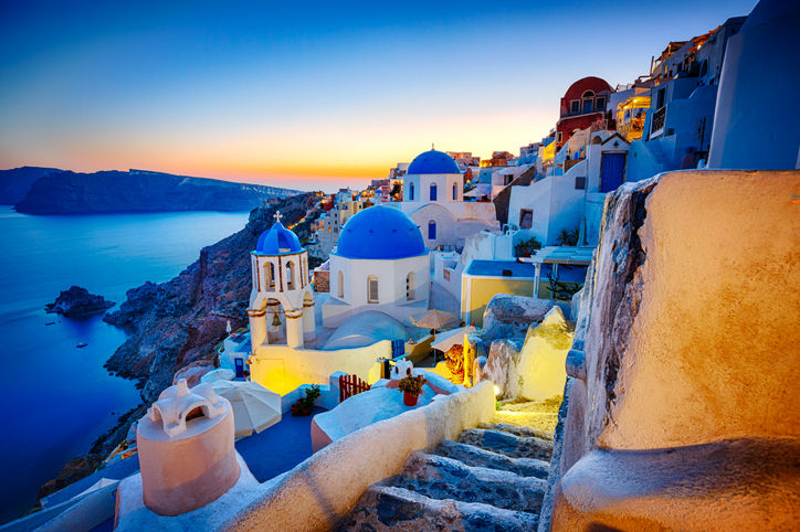 The Greek Islands are in which sea?